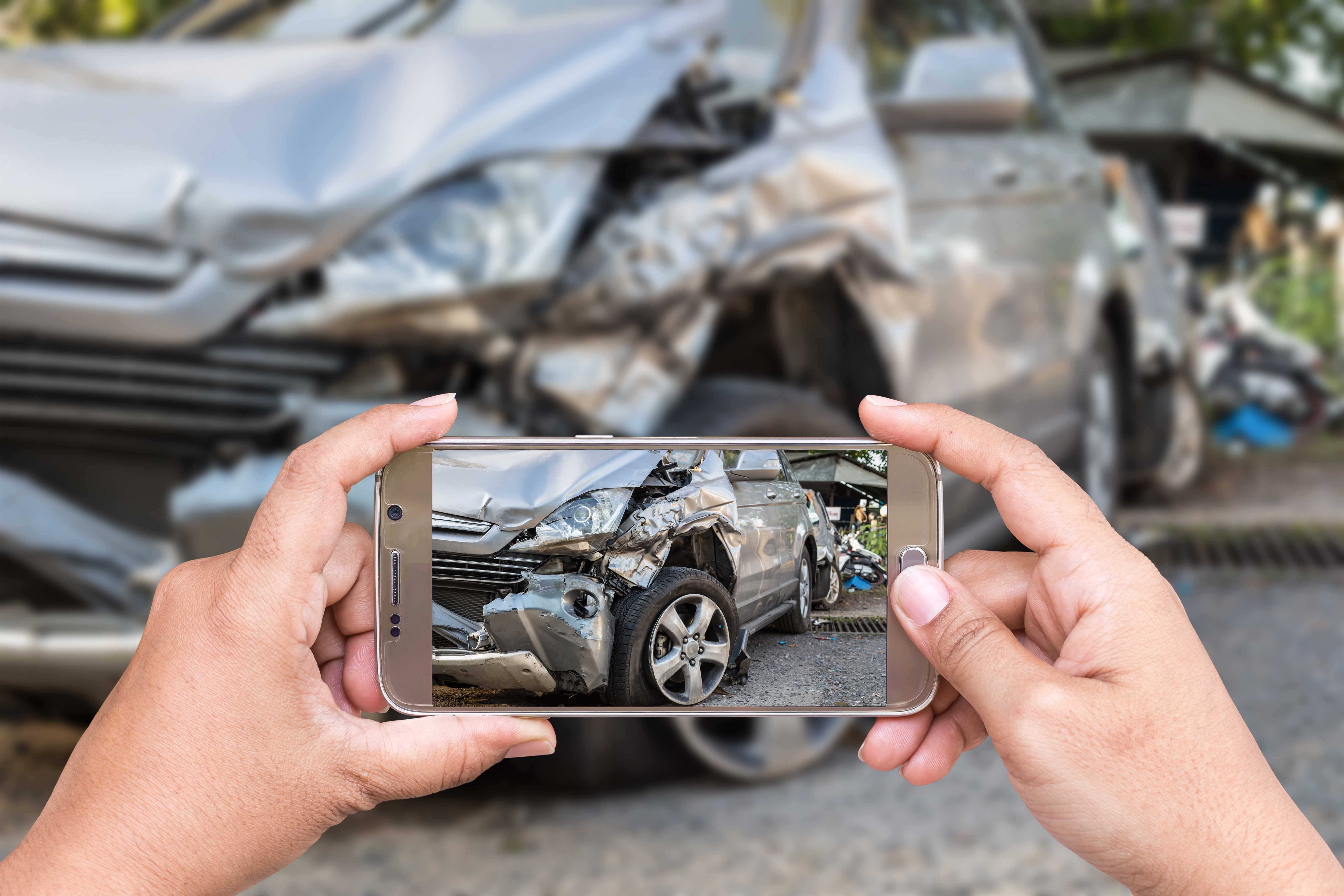 Taking Pictures of the Car Accident Scene