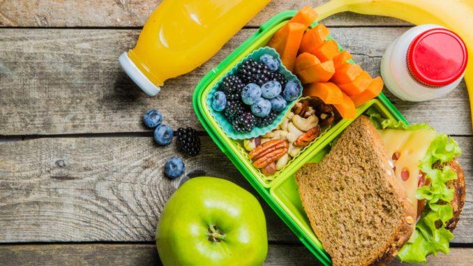 Sandwich & fresh fruits