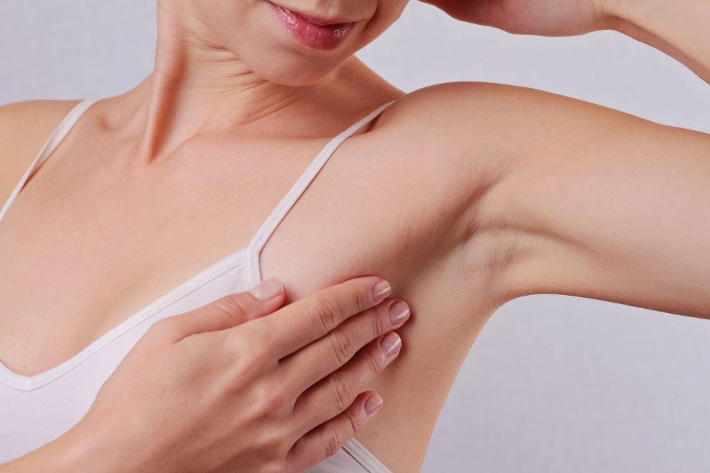 Armpit epilation
