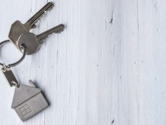 house keys with house shaped keychain