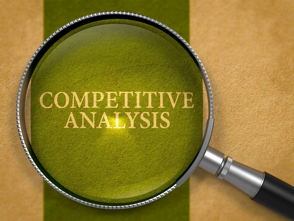 Competitive analysis, magnifying glass