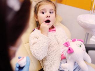 child afraid of doctor